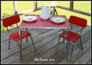 Child S Table And Chair Set Vintage 1950 S Childrens Table And Chair Set