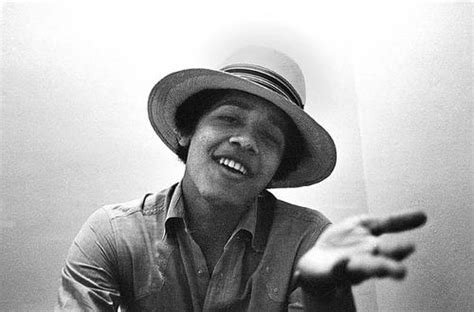 barack obama biography 3rd grade nudity drag racing and writing new bio claims to have