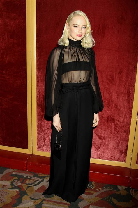 emma stone mom emma stone looked like a goth glam marilyn monroe at the