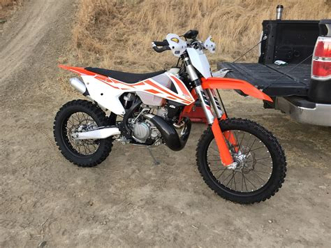 Ktm Talk Talk Me Out Of Buying A 2017 Ktm Husky 300 South Bay Riders
