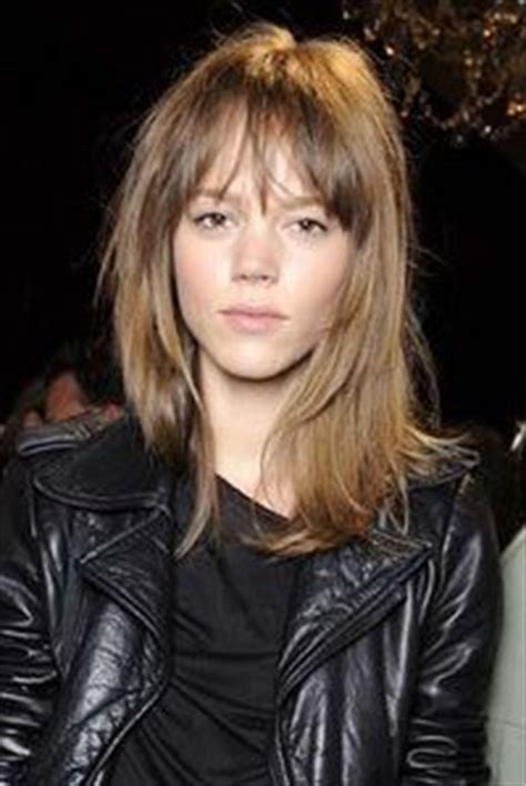 hairstyle swagbob 194 best hair choppy shaggy layered haircuts images