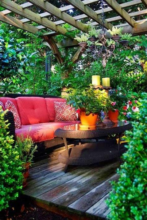 schöner garten gestalten balkon dekor bepflanzen