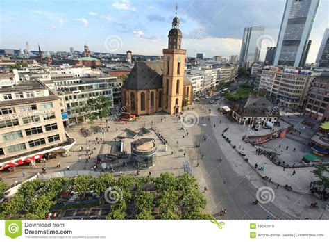 zeil que es frankfurt am main hauptwache imagen de archivo editorial
