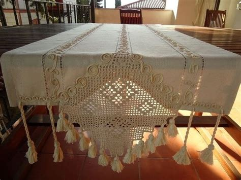 table runners for dining room table best 20 dining table runners ideas on pinterest dining