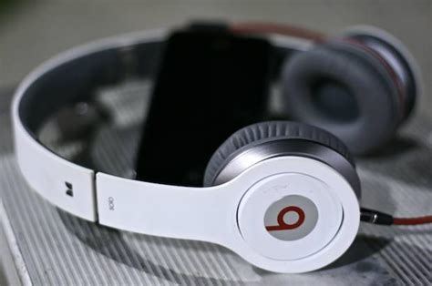 Earphone Beats Di Malaysia blissed out on bass with s beats headphones review cult of mac