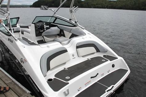 yamaha jet boat cup holders 2012 yamaha 212x sport boat jet boat boat review