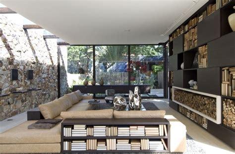 pareti in pietra per soggiorno rivestimenti in pietra in soggiorno moderno idee di