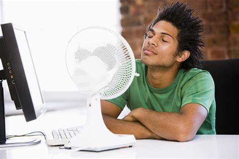 fan that uses to cool keeping cool without air conditioning the expat s guide