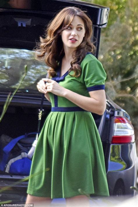 zooey deschanel high fives damon wayans jr while filming new daily mail online