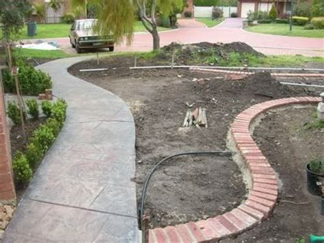 Brick Garden Edging Ideas Tiny Curve In Sidewalk 2014 Landscaping Front Yard Project Pinte