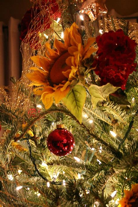 sunflower christmas tree my sunflower obsession pinterest