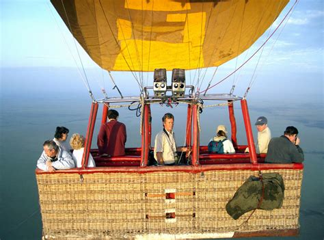 balloon safari kenya hot air balloon safaris gamewatchers