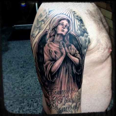 kneeling angel tattoo kneeling praying www imgkid the image
