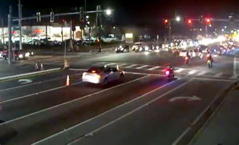 how to know if red light camera caught you group of motorcyclists caught on camera running red light