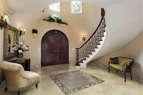 Circular Entryway by Gres Polerowany I Gres Szkliwiony Na Posadzce