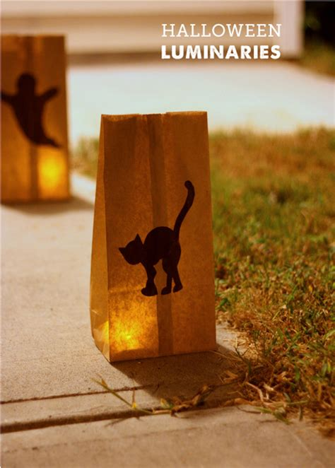How To Make Paper Bag Luminaries - simple paper bag luminaries project to