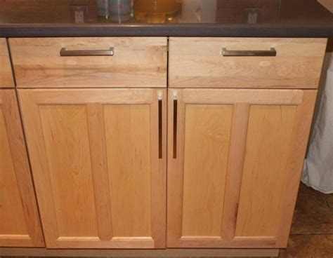 Where To Place Handles On Kitchen Cabinets by 1000 Images About Kitchen Cabinet Handle Placement On