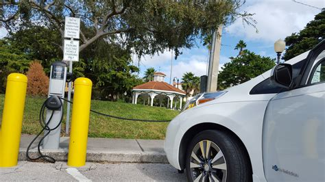 nissan leaf charging station chargepoint now has 30 000 charging stations nearly 3x
