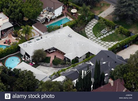 buy the fictional home of kristen bell dax shepard it s kristen bell and dax shepard s los feliz home aerial