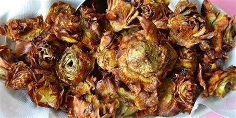 carciofi come cucinarli carciofi alla giudia la ricetta originale e i trucchi per