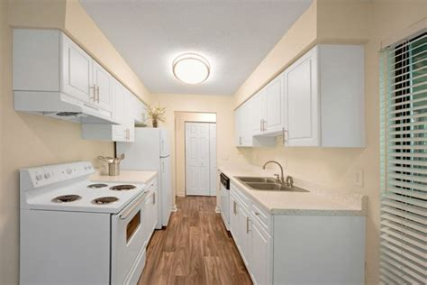 raleigh 1 bedroom apartments andover at crabtree apartment homes rentals raleigh nc apartments com