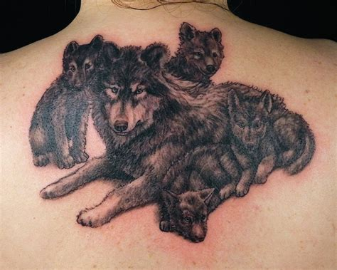 tattoo back wolf grey ink wolf tattoos on upperback jpg 640 215 513 tattoos