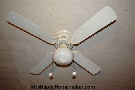 Clean Ceiling Fan by Clean Your Ceiling Fan With A Pillowcase No Mess Mrs