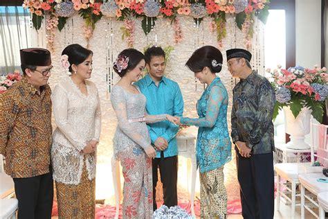 Jw Frozen Biru Muda Baby pesta lamaran bertema pink dan biru muda wedding
