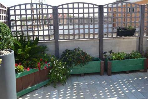 fioriere per terrazzi fioriere da terrazzo vasi e fioriere vasi per il terrazzo