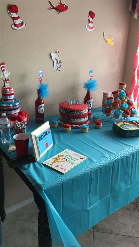 Dr Seuss Baby Shower Ideas by Best 25 Dr Seuss Baby Shower Ideas On Dr