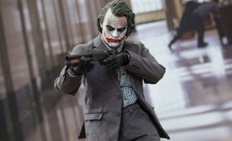 Ngmv3 Figure Joker Batman The Ledger Version Set 5 the joker bank robber version 2 0 sixth scale figure