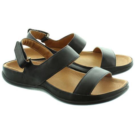 Sandal In Black by Strive Footwear Oahu Sandals In Black In Black