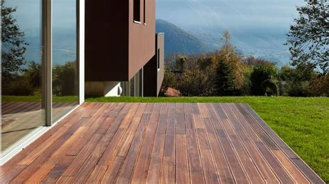 Attrayant Carrelage Exterieur Aspect Bois #3: Terrasse-effet-bois_4780713.jpg