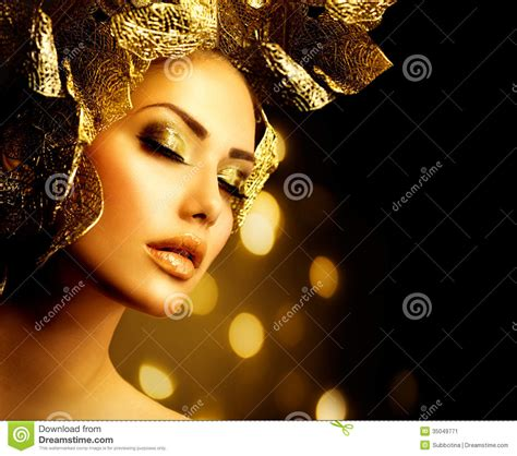 Make Up Di Yopie Salon golden makeup stock image image 35049771