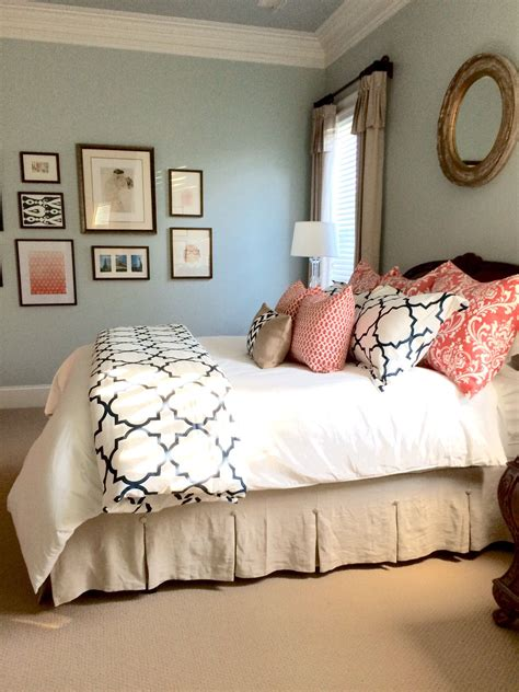 coral and navy bedroom completed linen navy and coral bedroom to see more rooms