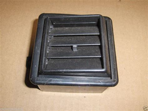 Corner L 626 86 87 Assy Rh sell corvette side dash pad vent assembly 84 85 86 87 88 89 motorcycle in fayetteville