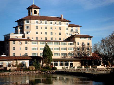 Colonial Style file broadmoor hotel dec 2007 jpg wikimedia commons