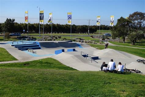 small park near me altona skate park altona