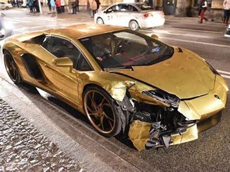 Lamborghini Wreck A Lamborghini Aventador Get Trashed In Poland
