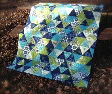 Quilting With Triangles free quilt along quilt patterns bomquilts