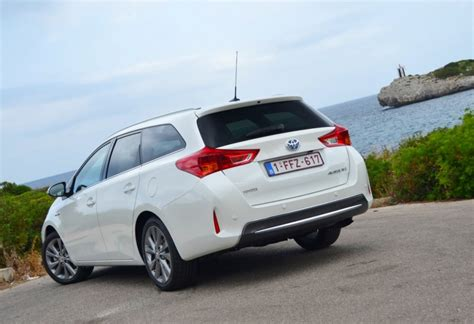 Toyota Auris Hybrid Sport Image Toyota Auris Touring Sports Hybrid Drive