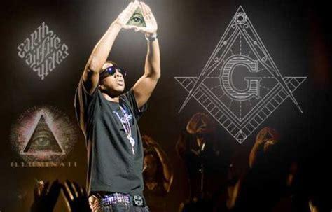 z on illuminati proof that z is illuminati rocawear lazer
