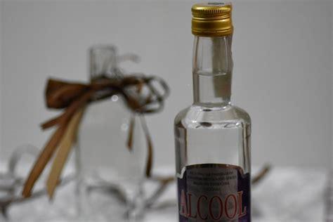 liquore liquirizia fatto in casa come preparare il liquore alla liquirizia fatto in casa