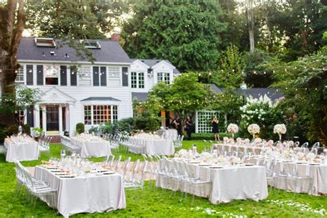 Memorable Wedding A Simple Outdoor Wedding Backyard Garden Wedding Ideas