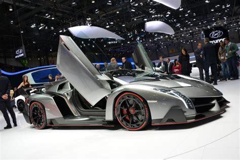 Lamborghini Veneno pictures   Auto Express