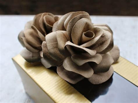 How To Make Toilet Paper Roses - diy how to make roses using empty toilet tissue