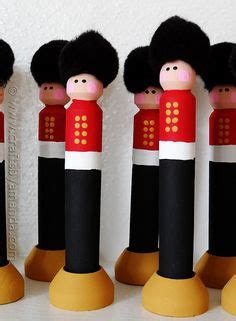 toy soldier craft for kids make s guard soldiers craft buckingham palace changing of the guard