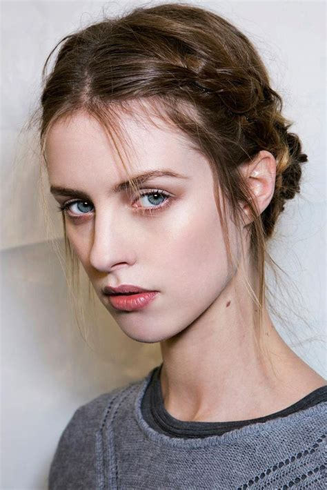 how to style hair that is shorter in the back than the front 21 cool braids for short hair thefashionspot