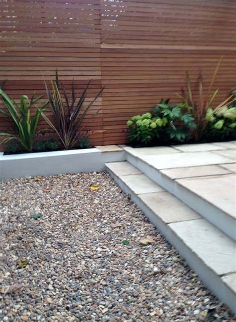 Garden Shingle Ideas Clapham Garden Design Sandstone Paving Hardwood Privacy Screen Shingle Trellis Fence