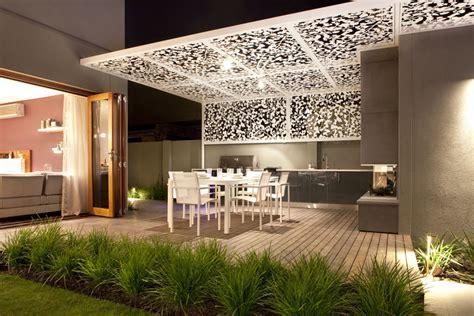 Backyard & Garden Design Ideas   'Out of the box'  Ian